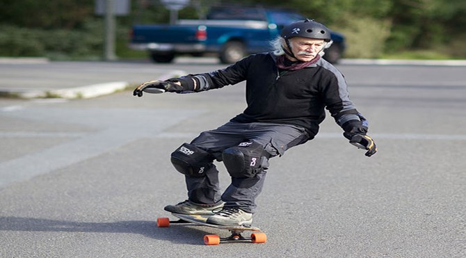 78-year-old-longboarder-lloyd-kahn__605