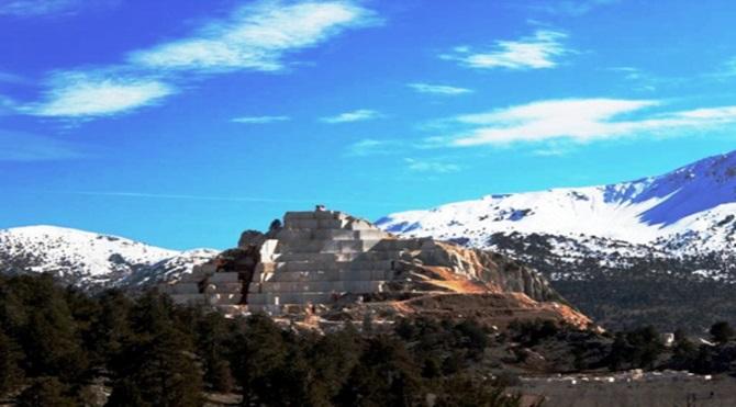 Saklıkent zigguratlarından biri (Fotoğraf Zeynep Gülcü)