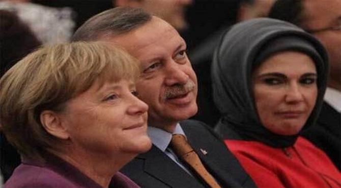 Erdoğan'ın gezilerine Emine Erdoğan da eşlik ediyor