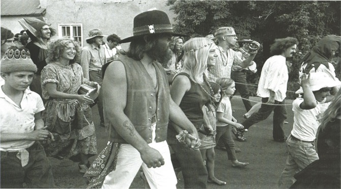 marching-for-pigasus-1968