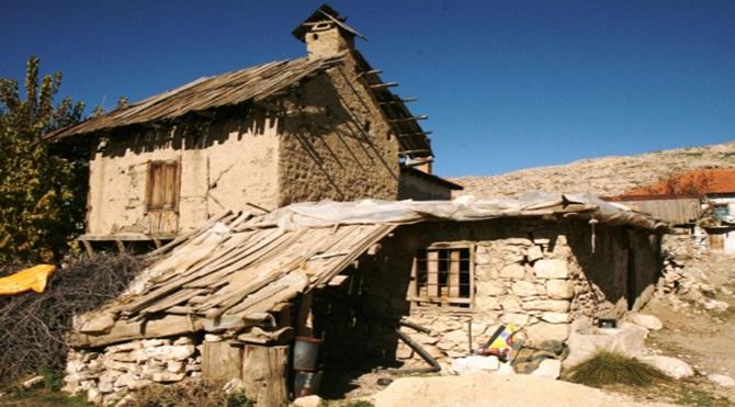 Büyükşehir Yasası, göçle birlikte boşalan köyleri mahalleye dönüştürüyor