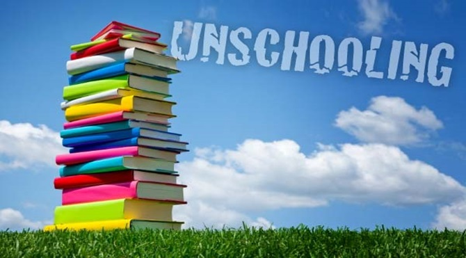 unschooling_books_pile