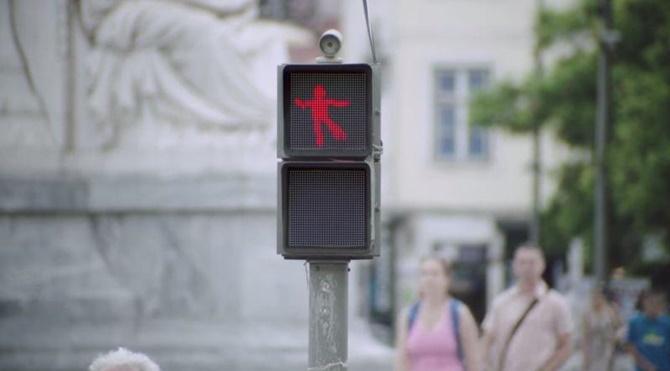 Kırmızı ışıkta beklerken dans etmek ister misiniz?