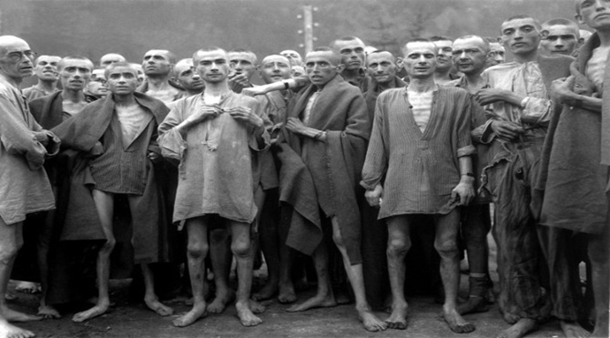 Concentration_camp_prisoners_1945