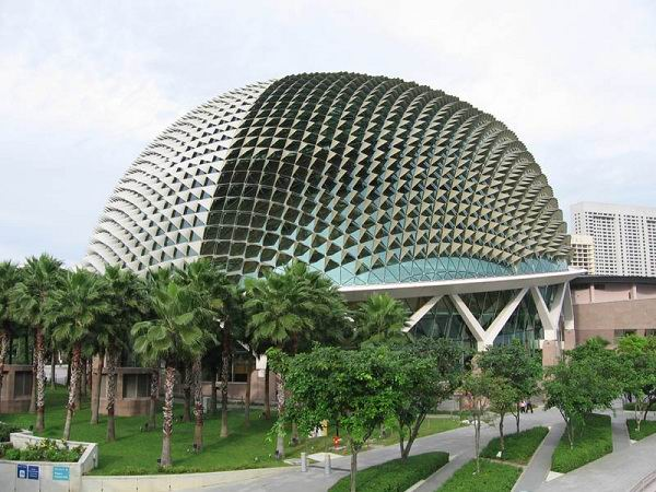 24.-Esplanade-–-Theatres-on-the-Bay-–-Singapore