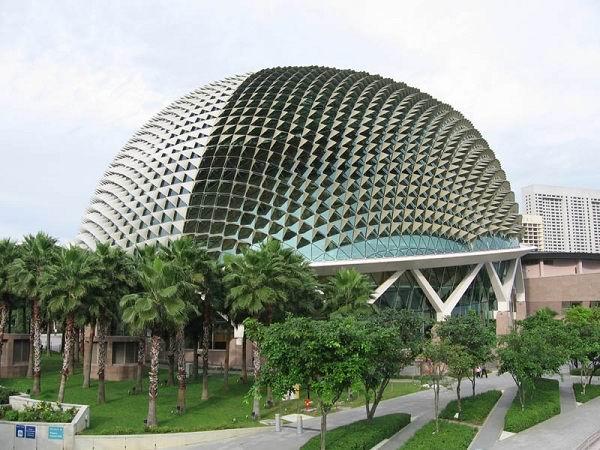 24.-Esplanade-–-Theatres-on-the-Bay-–-Singapore