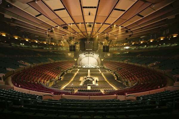 MADISON-SQUARE-GARDEN-NEW-YORK-CITY-iç-mekan