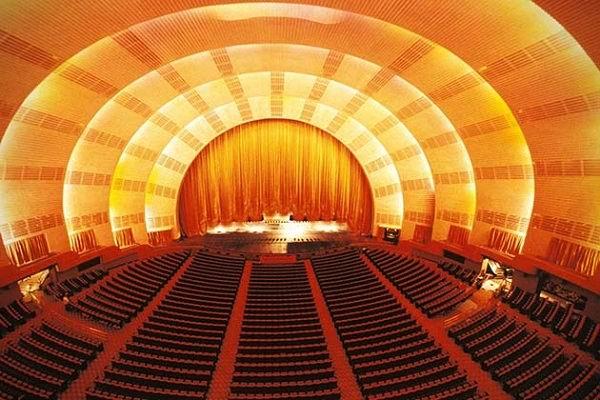 RADIO-CITY-MUSIC-HALL-NEW-YORK-CITY-iç-mekan1