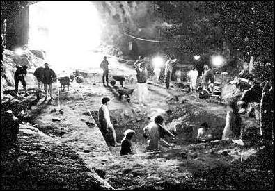 1986-88 yılları arasında İ.Ü' den öğrenciler Mehmet Özdoğan ve Güven Arsebük' le kazı yaptılar. Çıkan bulgular İstanbul Arkeoloji müzesinde sergileniyor. İstanbul/Altinşehir