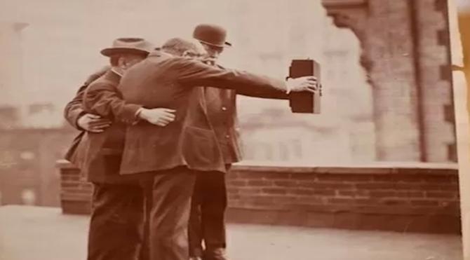 Narsisizm_ Selfie'nin _tarihi