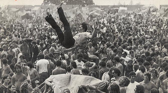 Rock_Woodstock_1969_hippi