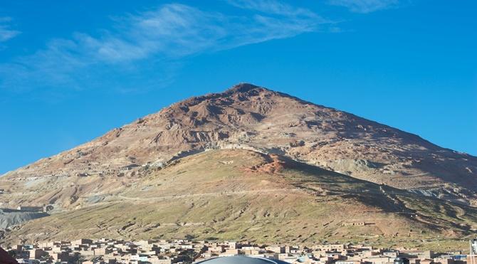 cerro-rico-silver-mine-hill-potosi-bolivia-28-apr-2012