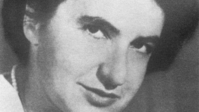 Rosalind Franklin,  DNA'nın yapısının belirlenmesinde önemli rol oynadı