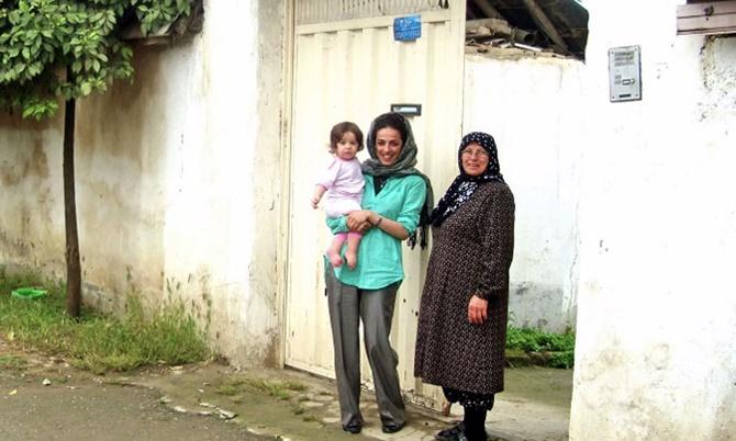 Masih-Alinejad-basortusu-esarp-iran-yasalar-kampanya-11