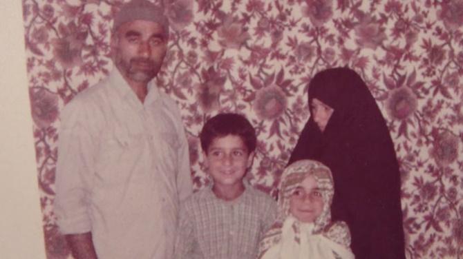 Masih-Alinejad-basortusu-esarp-iran-yasalar-kampanya-8 (1)