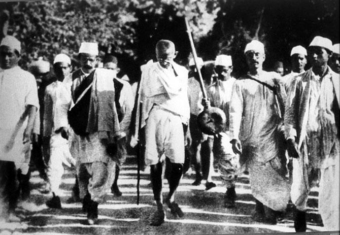 gandi-tuz-yürüyüşü