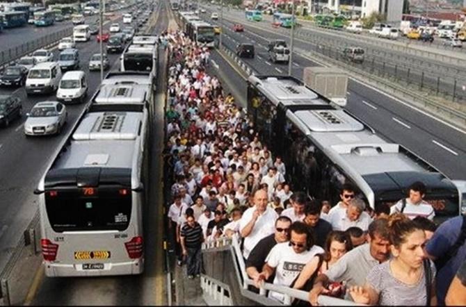 metrobüs-metrobüslüler-1