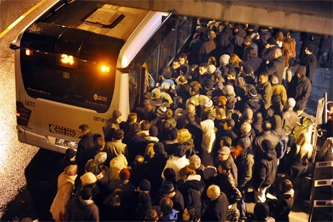 metrobüs-metrobüslüler-2