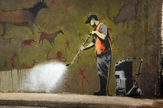 Banksy_graffiti_removal