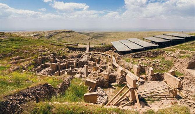 Alman Arkeoloji Enstitüsü üyesi Arkeolog Klaus Schmidt göbeklitepe  Göbeklitepe – Cennetin Keşfi gobeklitepe 1