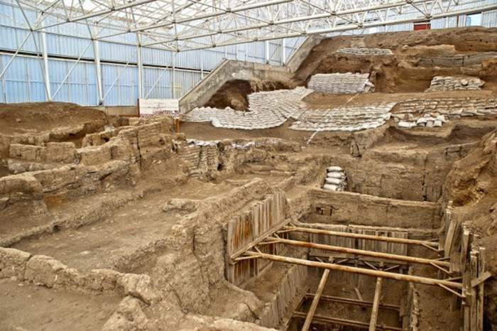 çatalhöyük  Çatalhöyük İle Tanışın; Tarihin İlk Şehri  C3 A7atalh C3 B6y C3 BCk kaz C4 B1lar C4 B1