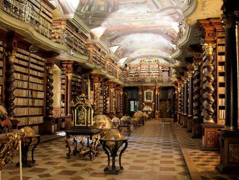 Dünyanın-Etkileyici-23-Kütüphanesi-1